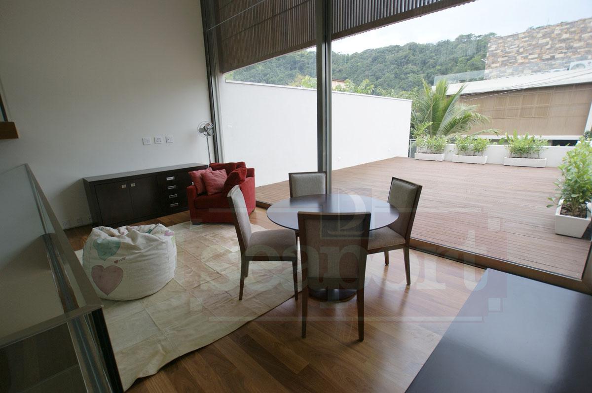Sala mezanino com terraço