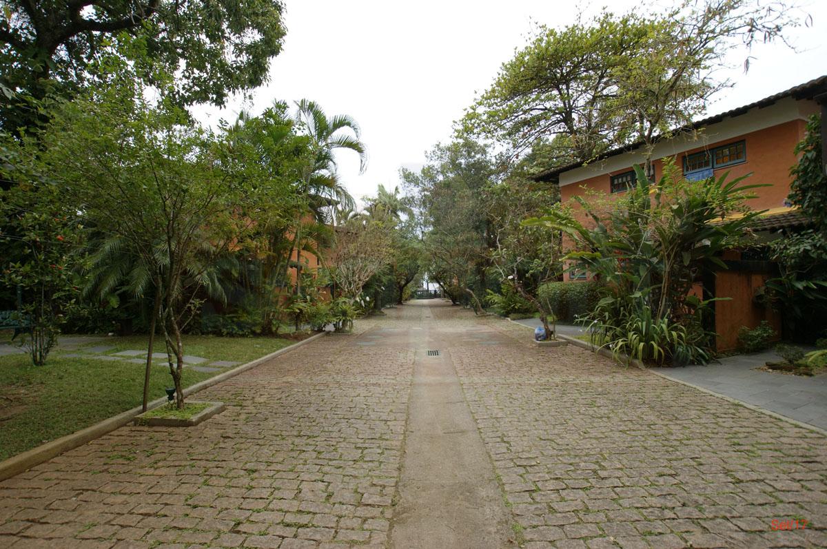 Fachada e Rua Interna