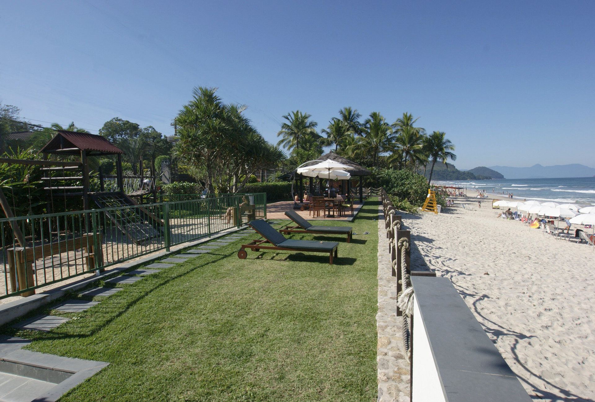 Jardim / Deck Frente ao Mar