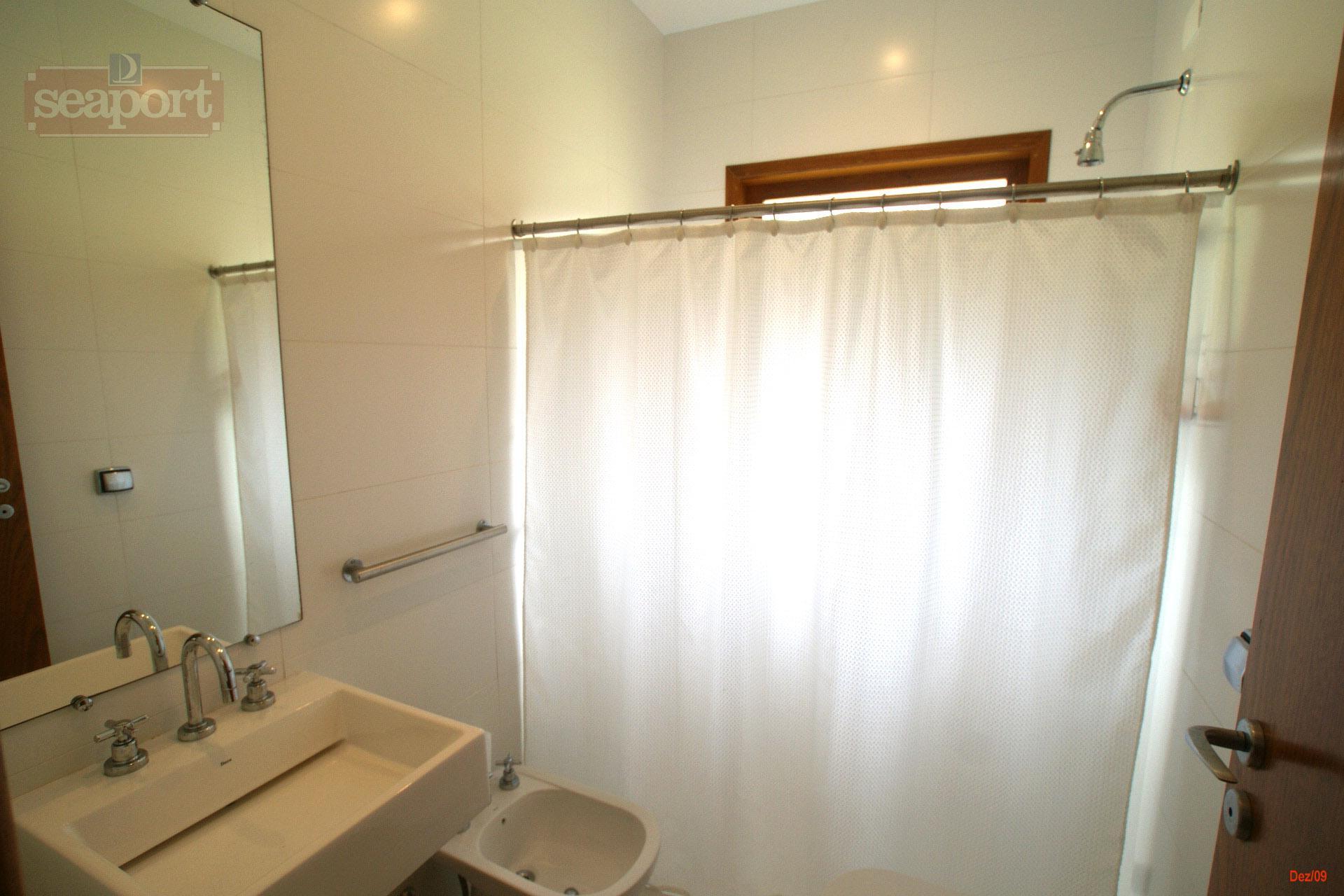 Suite 6 WC