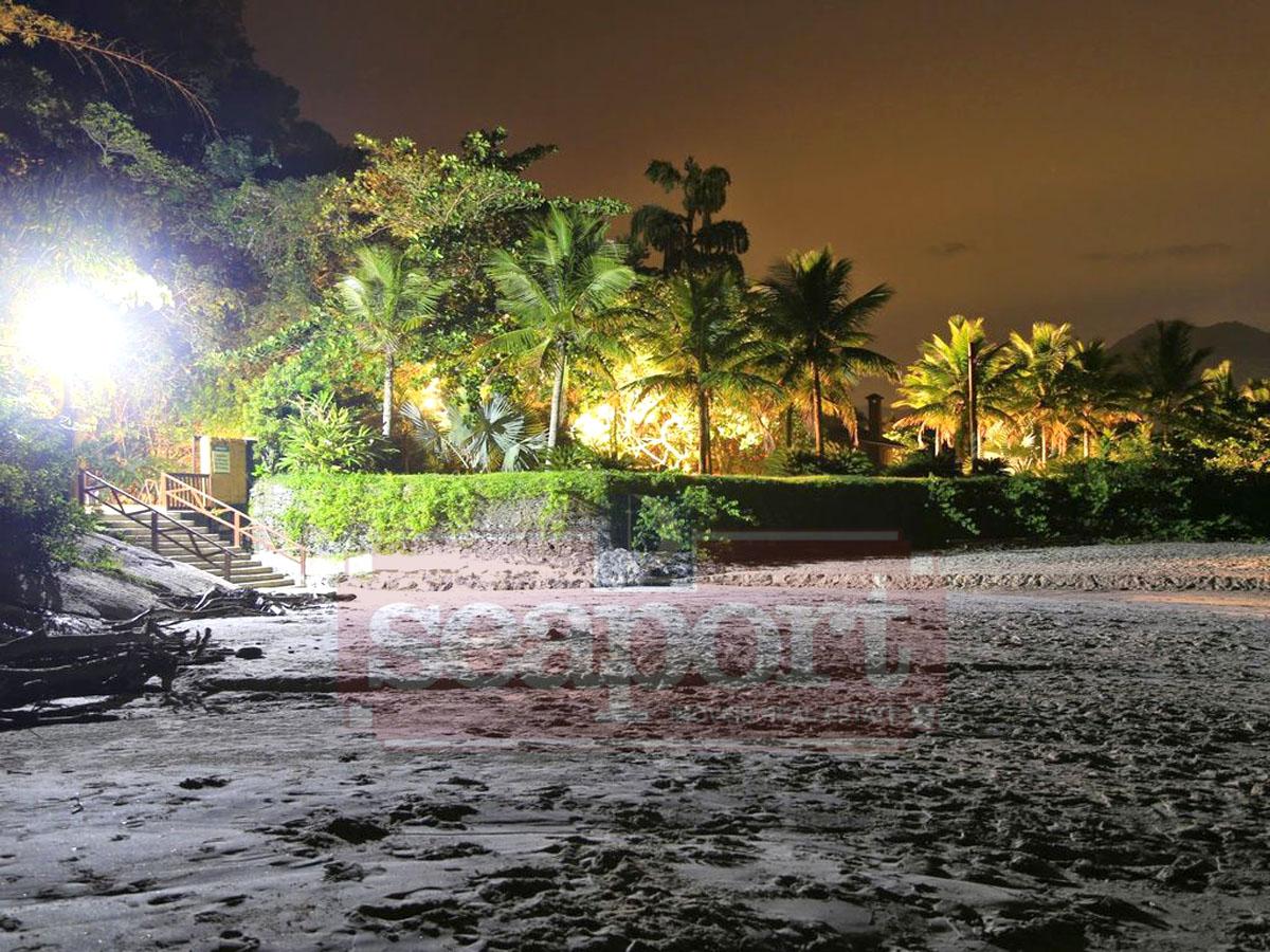 Praia da Barra do Una  noite