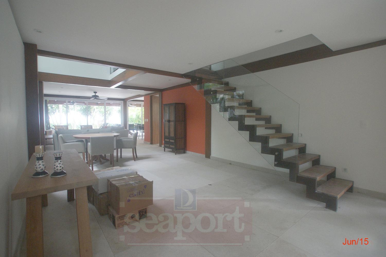 Salas/Escada