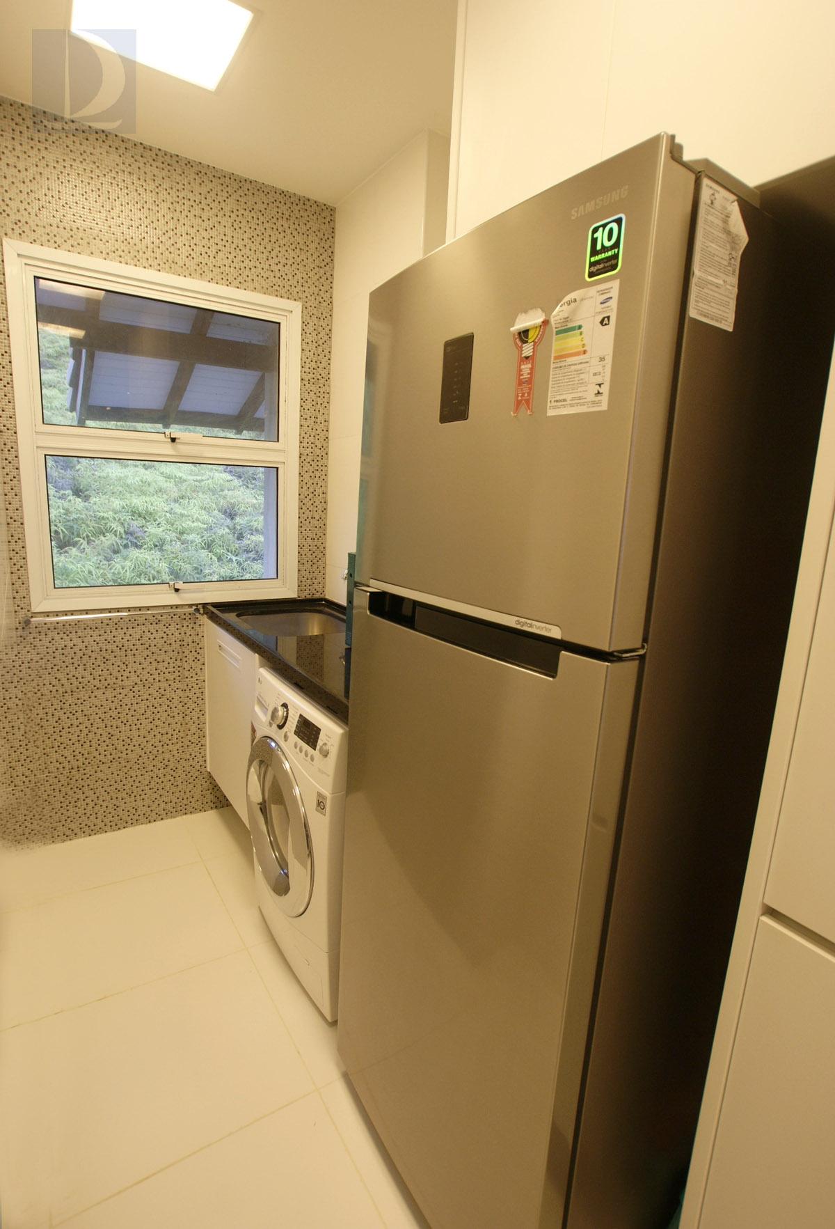 Área Serviço e cozinha