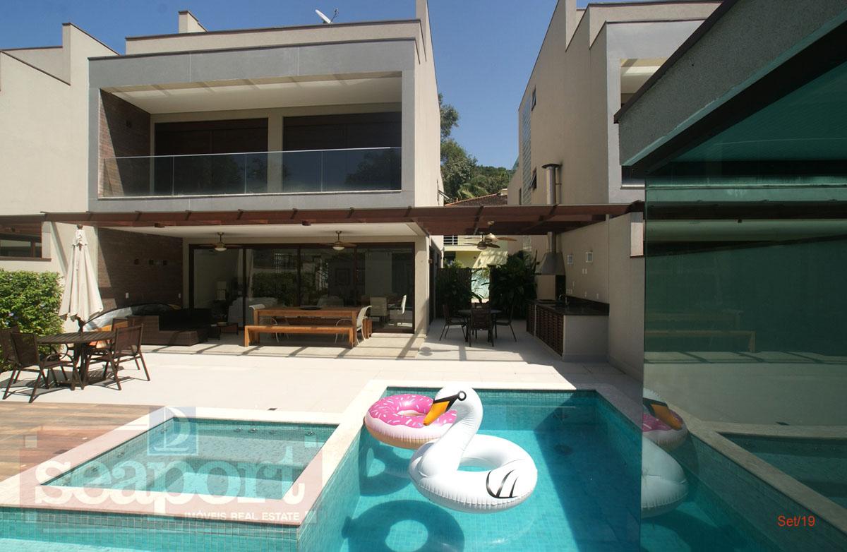 Fachada piscina privativa
