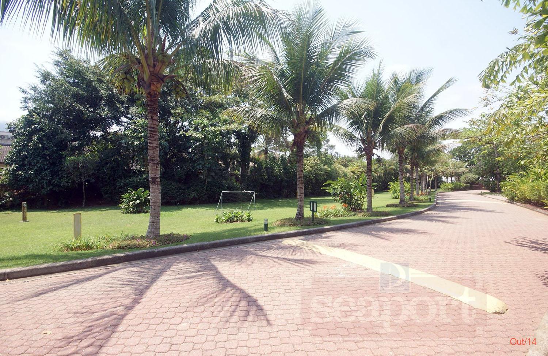 Rua Interna e Jardins