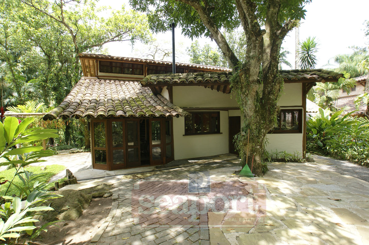 Lateral e Jardim