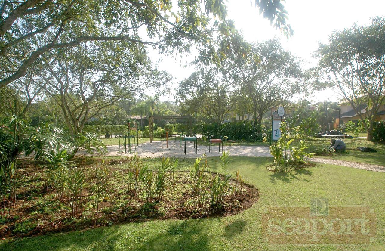 Rotatória Praça e Playground